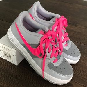 Nike Air Force One Low Wolf Grey Pink Size 4Y